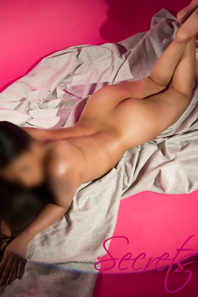 Hot New Escort Photos Available Now!